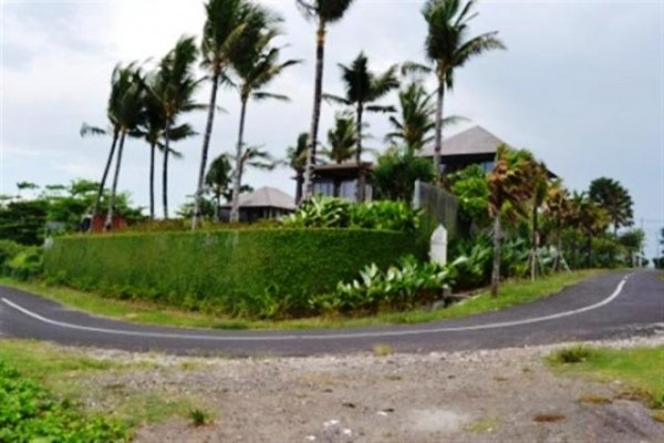 Land for sale in Canggu rice field view near to the beach – LCG005 (SOLD)